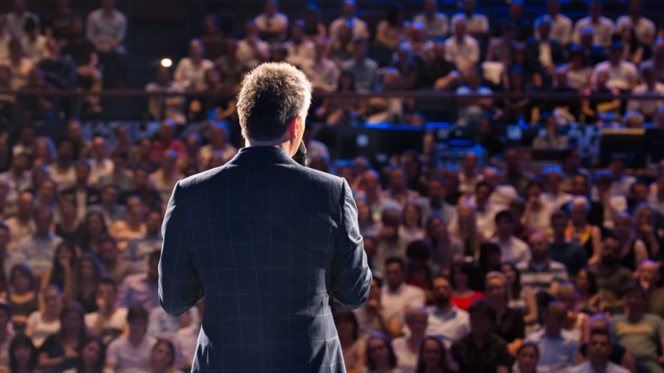 Wir tanken Gedanken – die 2. Hamburger Rednernacht im Mehr! Theater in Hamburg